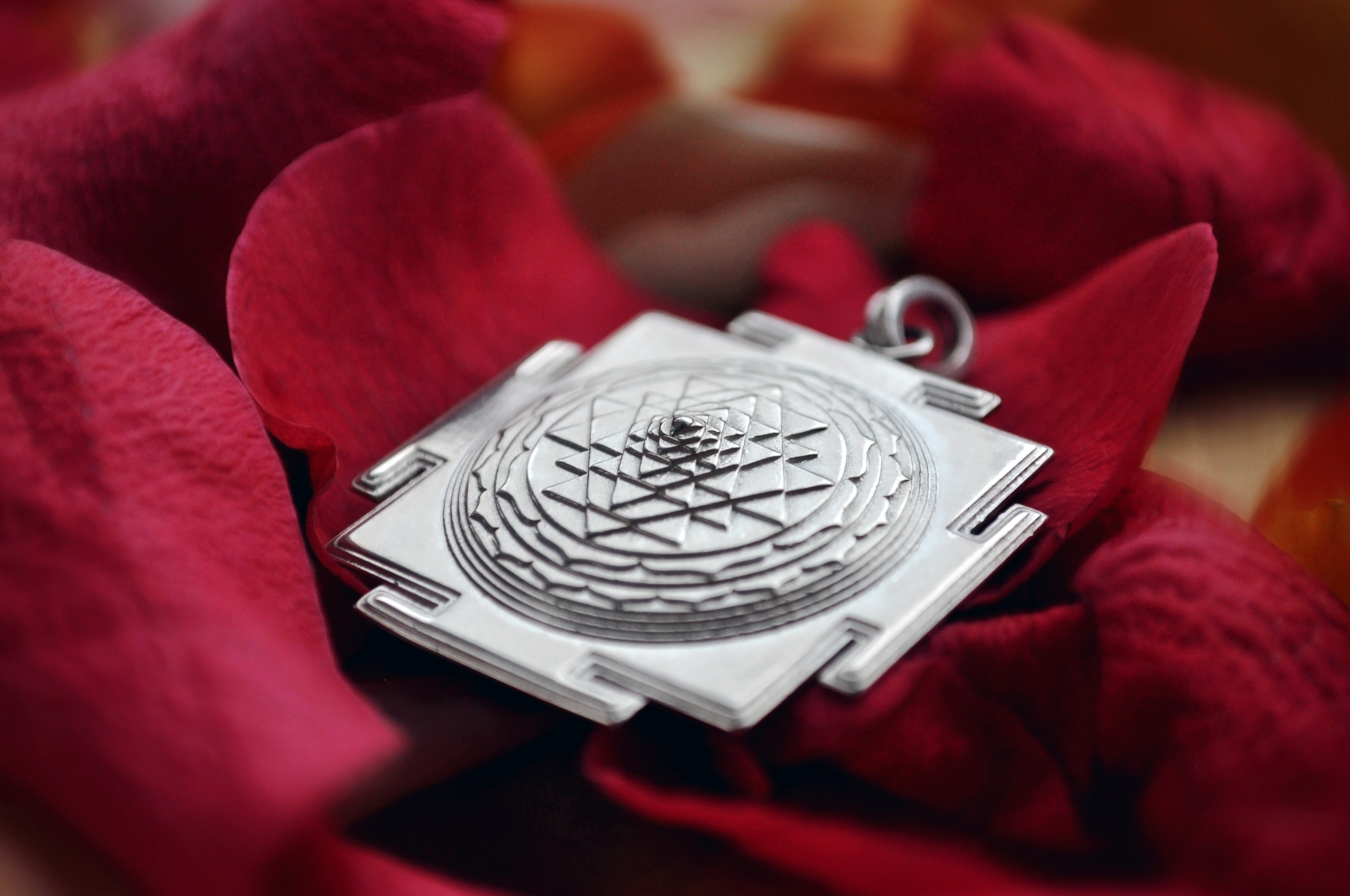 Square hand made silver shr yantra pendant astrogem square shri yantra hand made pendant mozeypictures Images